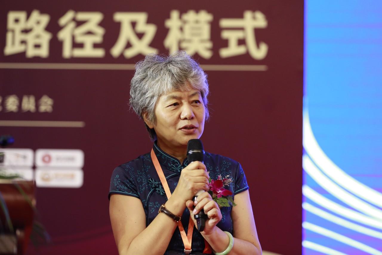李玫瑾教授在开幕式的主题报告 :从犯罪心理研究获得的思考